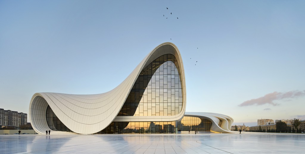 Heydar Aliyev Center, Baku - photo by HuftonCrow